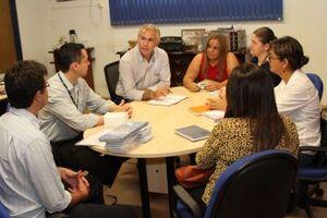 Reunião contou com a presença de autoridades do município e representantes do Sebrae no gabinete do Prefeito Jorge Diogo